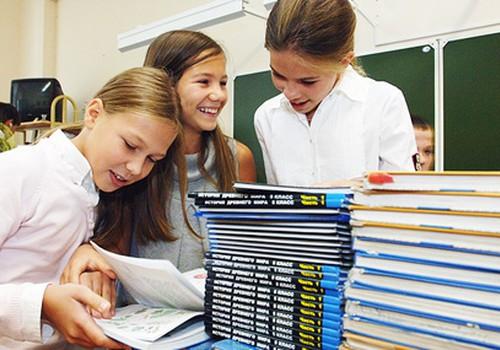Vairākās skolās mācās no PSRS laika grāmatām un kartēm