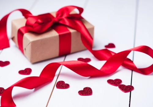 Sveicam visas ģimenes Mīlestības svētkos!