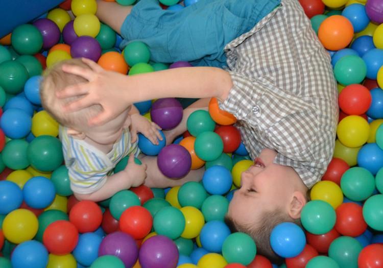 DISKUSIJA: Kā jūsu vecākie bērni sauc jaunākos?