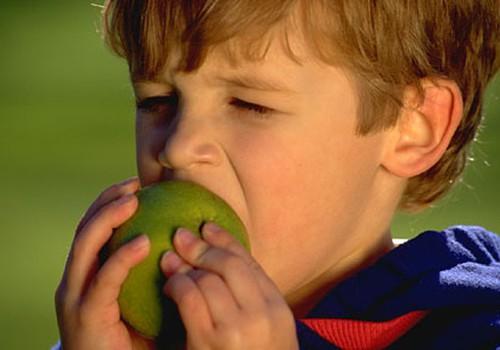Vai skolēni dabūs bezmaksas ābolus?
