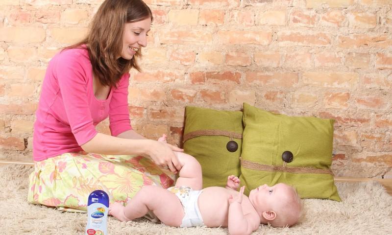 FOTOpamācība: Kā veikt mazulim masāžu