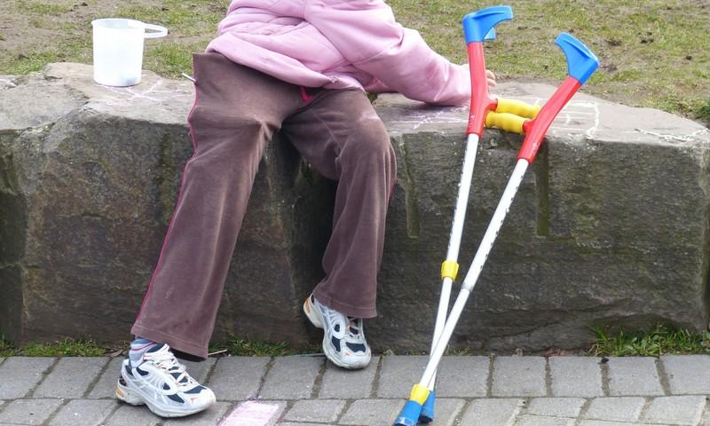Rīgā ieviests jauns aprūpes mājās pakalpojuma veids bērniem ar funkcionāliem traucējumiem
