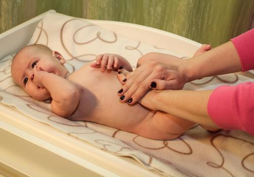 Pazeminām ķermeņa temperatūru mazulim