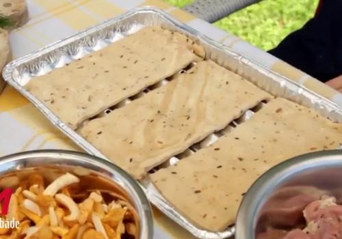 Pīrāgs ar gailenēm un cāļa gaļas šašliku