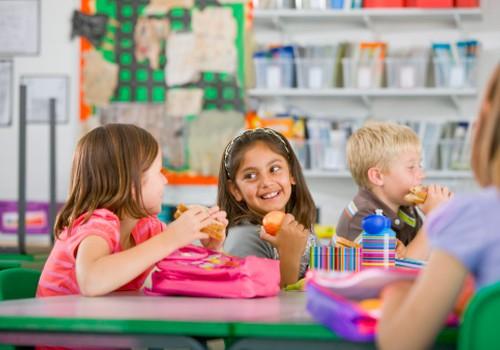 Kādam jābūt skolēna uzturam?