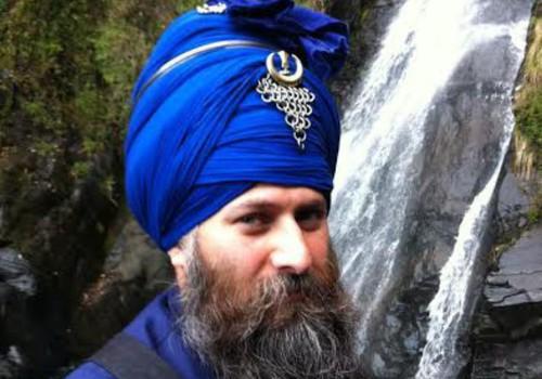 Dr. Kamalroop Singh no Lielbritānijas Saulgriežu festivālā