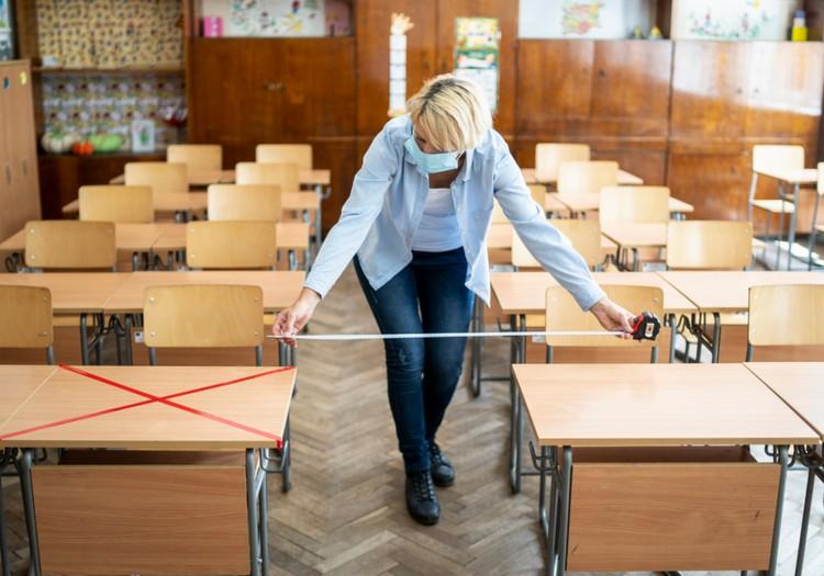 Skolās drošības pasākumi būs stingrāki un vairākās pašvaldībās mācības notiks attālināti
