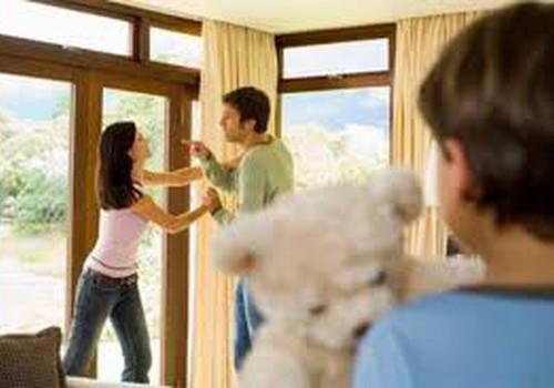 Vai jādzīvo kopā ar bērniņa tēvu tikai tāpēc, ka bail no vientuļās mātes statusa?