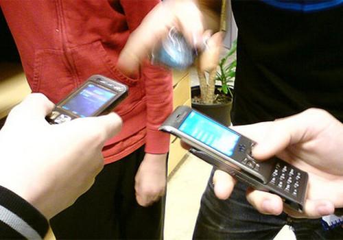 Skolēni prot rīkoties ar «iPhone», taču ne aizsiet kurpes