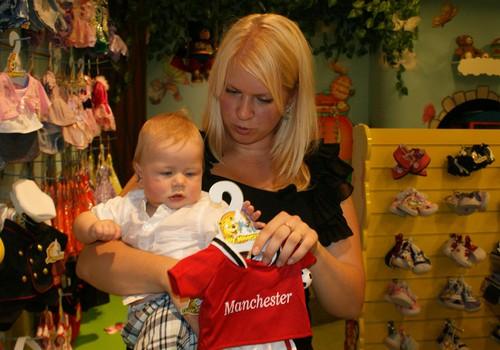 Atpirkties no bērna ar materiālām lietām: JĀ vai NĒ