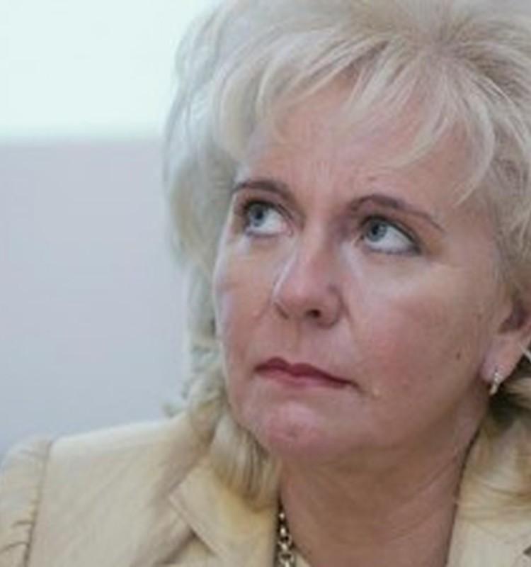 Veselības Ministre mudina valdību parakstīt jaunu pošu iekļaušanu vakcinācijas kalendārā