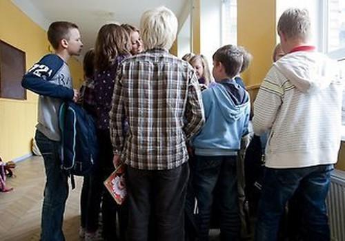 Latvijas skolēniem nepietiekamas zināšanas ir motivācijas trūkuma un skolu sliktā nodrošinājuma dēļ