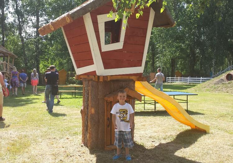 """FOTO: Rīgā atvērts jauna ģimeņu atrakciju vieta - """"Pik Nik parks"""""""