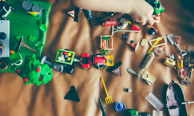 Padomi, kā motivēt bērnu sakārtot rotaļlietas