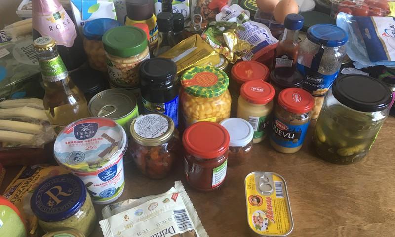 Lai labāk pārvaldītu savu saimniecību, ķeros pie ledusskapja tīrīšanas