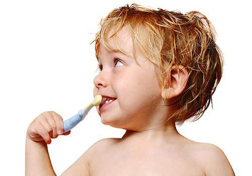 Kā izvēlēties zobu birstīti?