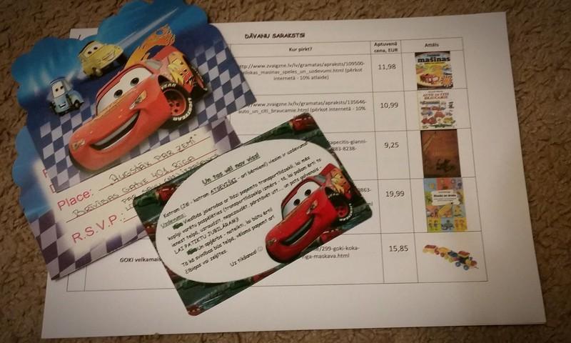 Dāvanu saraksts un ielūgumi uz dēliņa DIVU gadu jubilejas ballīti...