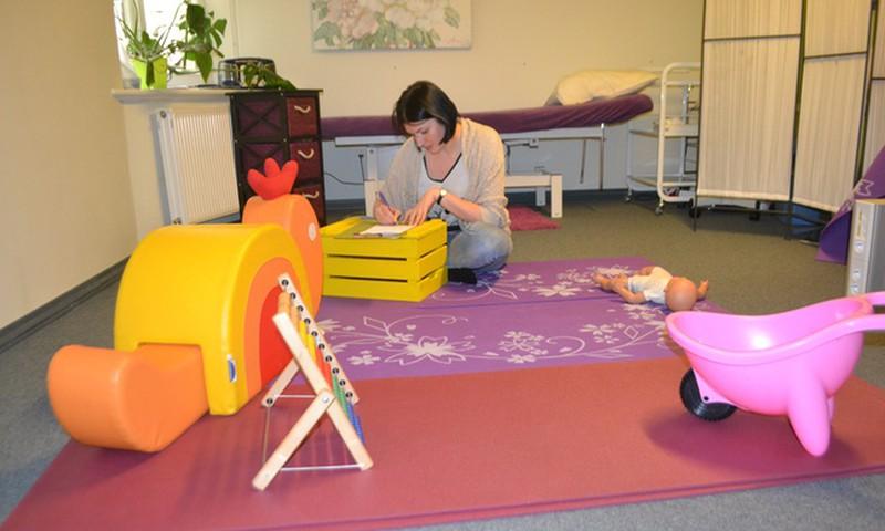 Jaunākais dēls konsultācijā pie fizioterapeites Kristīnes Asonovas