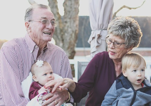 Vai nesaskaņas ar vecāko paaudzi par bērnu audzināšanu ir neizbēgamas?