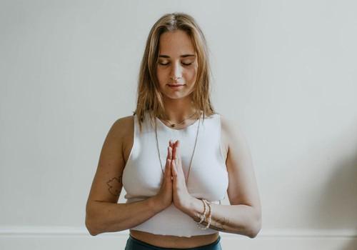 Kā izkopt labu ieradumu jeb rūpes par krūtīm ikvienā sievietes vecumā