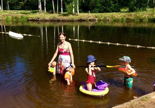Elli un Itana piedzīvojumi: Par Itana mīlestību pret tēti un izklaidi vasaras nometnē