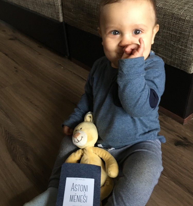 8.mēnesis - bērns sāk jokot!