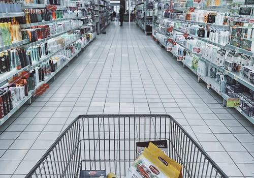 Papildinātas veikala norēķinu kartes Rīgas izglītības iestāžu audzēkņiem pārtikas iegādei