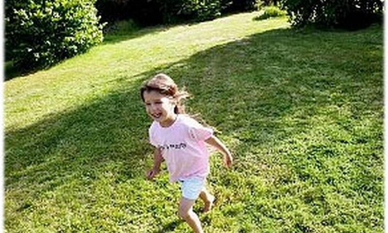Mediķi, vecāki un bērnu tiesību aizstāvji aicina parūpēties  par bērnu drošību vasaras brīvlaikā