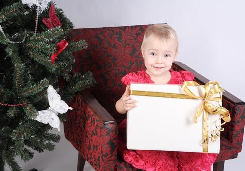 Huggies® svētki: Kur jūs iegādājaties dāvanas bērniem uz Ziemassvētkiem?