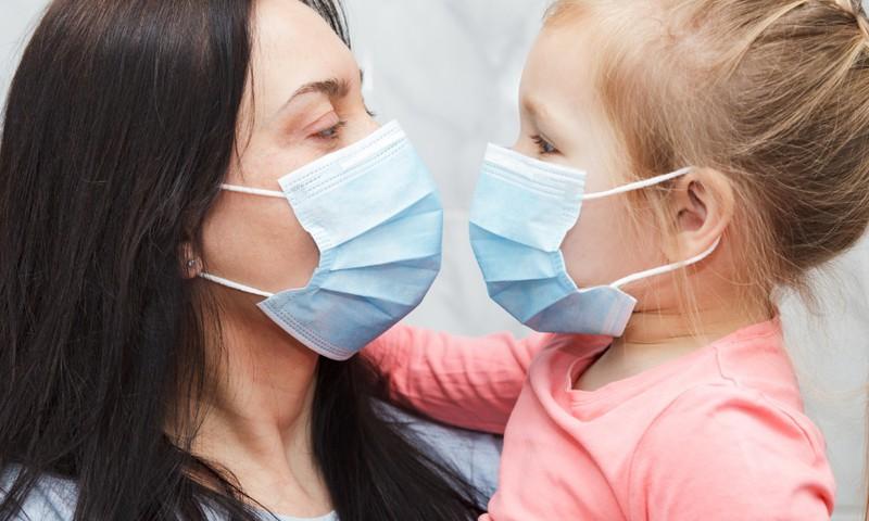 Bērns skolā nelieto masku: kā rīkoties? Rīcības shēma
