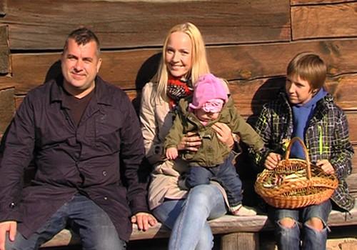 VIDEO: svinam Lieldienas kopā ar Superbēbītes Līnas Grietas ģimeni
