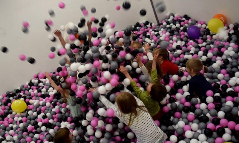 Kur sarīkot meitas dzimšanas dienas ballīti
