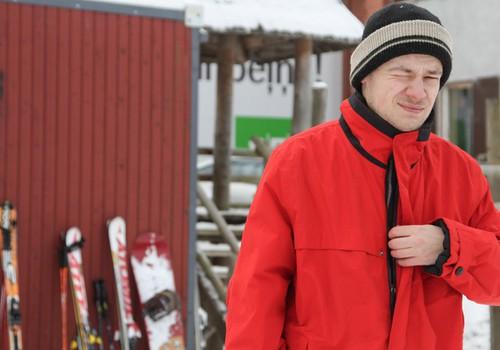 Vīrietis pēc 30 pirmo reizi uz slēpēm: skats no malas