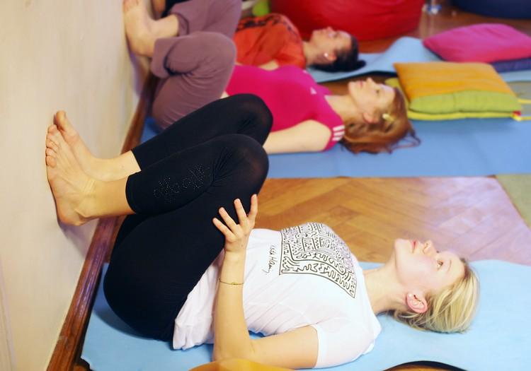 Vingrosim grūtniecības laikā ar fizioterapeiti Kristīni Asonovu