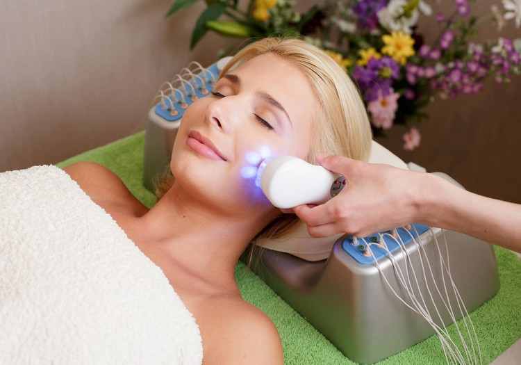 Kurš iegūst dāvanu karti sejas procedūrai no Ultratone Kosmetoloģijas telpa?