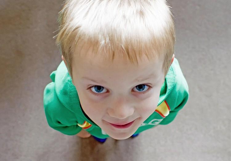 Kā saglabāt ar bērnu labas attiecības laikā, kad paliekam mājās? 7 ieteikumi
