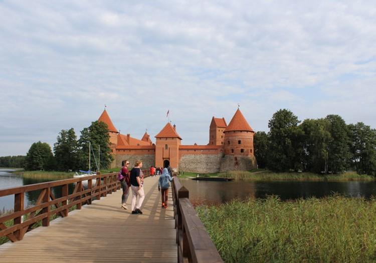 Atvadas no vasaras - Ezera pils Trakai (Lietuva)
