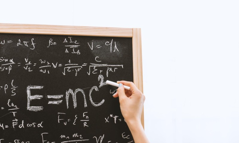 Starptautisks pētījums atklāj Latvijas skolēnu labās sekmes matemātikā