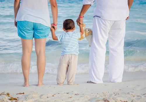 Rosina pagaidām aizliegt ārpusģimenes aprūpē esošo bērnu adopciju uz ārvalstīm