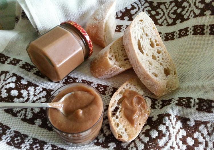 Ābolu sinepes un īpašā Tortano maize