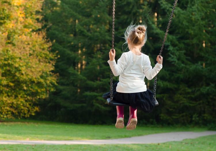Ieteikumi vecākiem un pedagogiem: kā palīdzēt bērniem ar UDHS/hiperaktivitāti