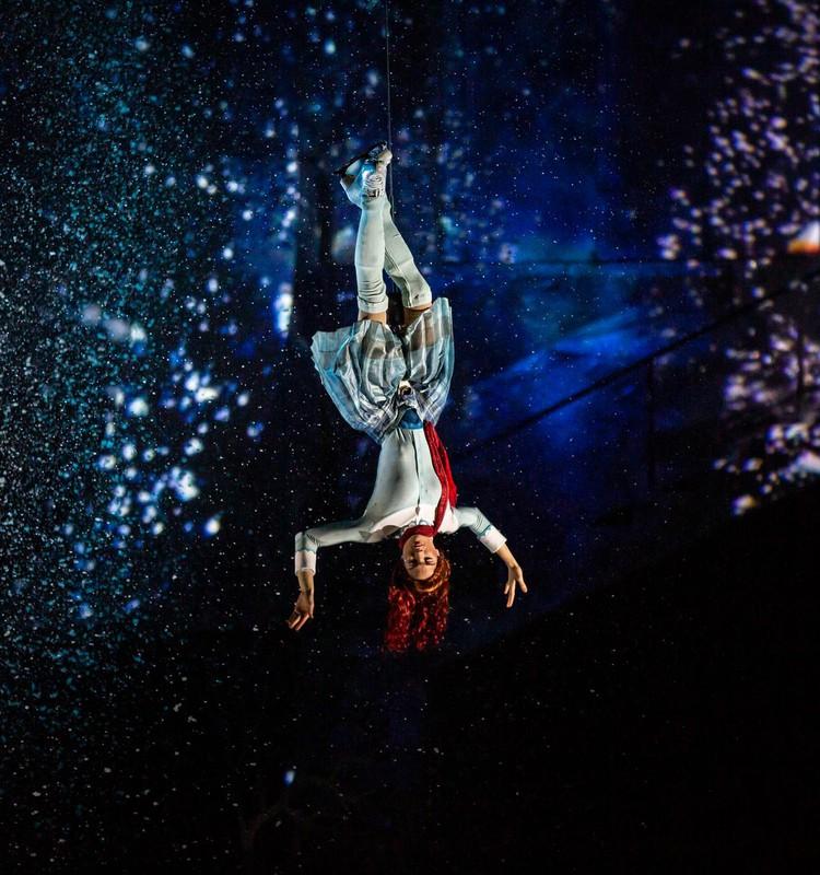 Pasaule sajūsmā par izrādi CRYSTAL, kas janvārī būs skatāma arī Rīgā