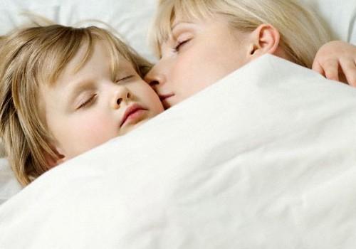 Māmiņas pieredze ar slapināšanu gultā