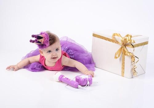 Kā bērnam pasniegt dāvanu no Ziemassvētku vecīša?