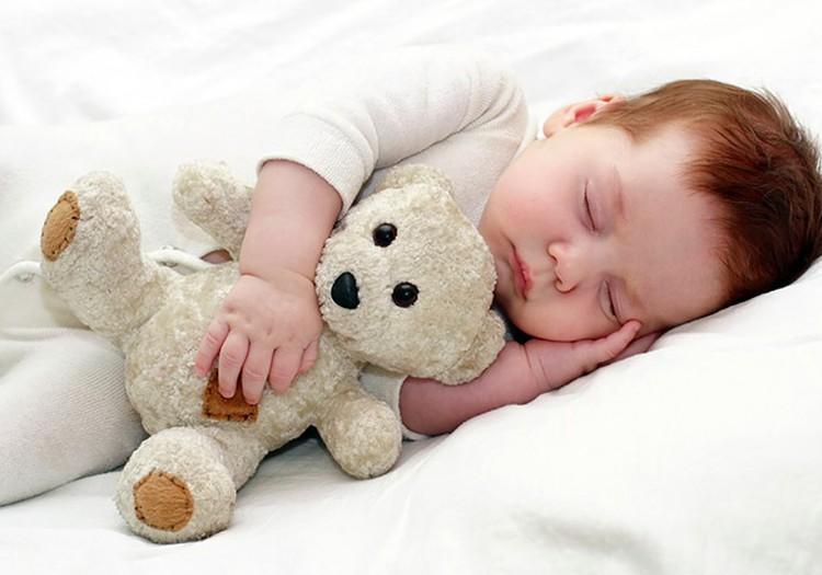 Palīdzēt bēbītim iemigt...