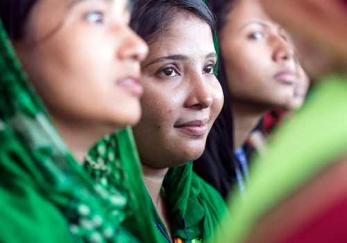 Lindex sniedz ieguldījumu, lai uzlabotu veselības aprūpi tekstilrūpniecībā strādājošajām sievietēm