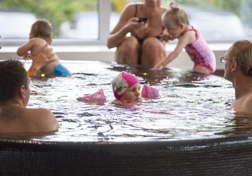Māmiņu Kluba baseina ballītes FOTOmirkļi