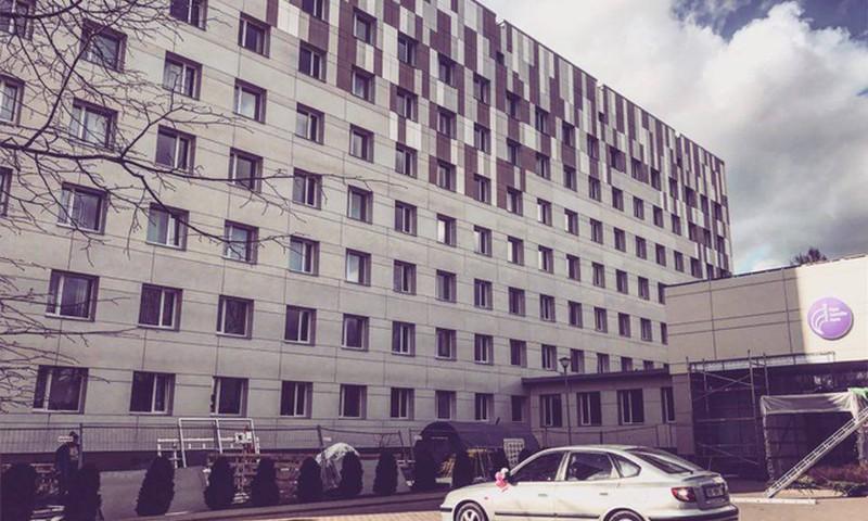 FOTO: Novērtējiet jauno Rīgas Dzemdību nama seju!
