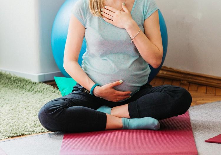 No septembra Māmiņu klubā Grūtnieču joga ar jogas pasniedzēju Lieni Krauzi