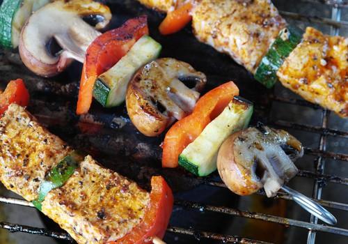 Šefpavāra ieteikumi un receptes daudzveidīgai grila izmantošanai